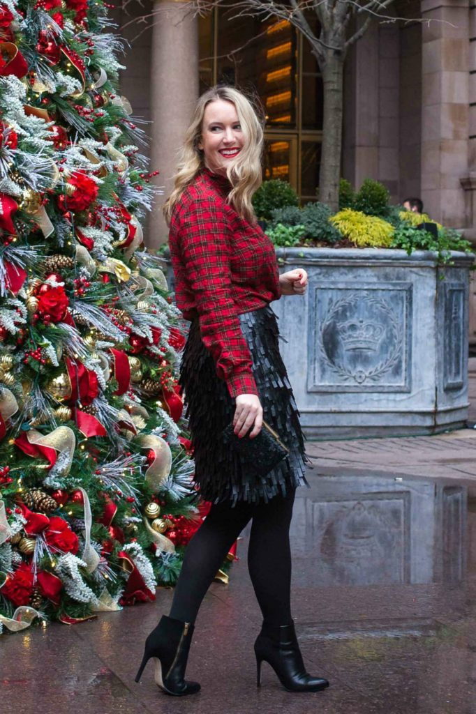 Blogger Meghan Donovan of wit & whimsy wears J.McLaughlin