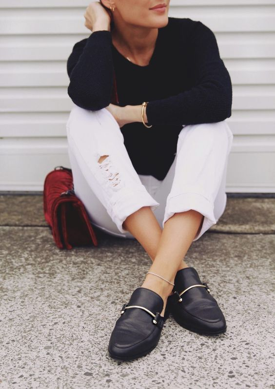 Styling White Jeans in Fall